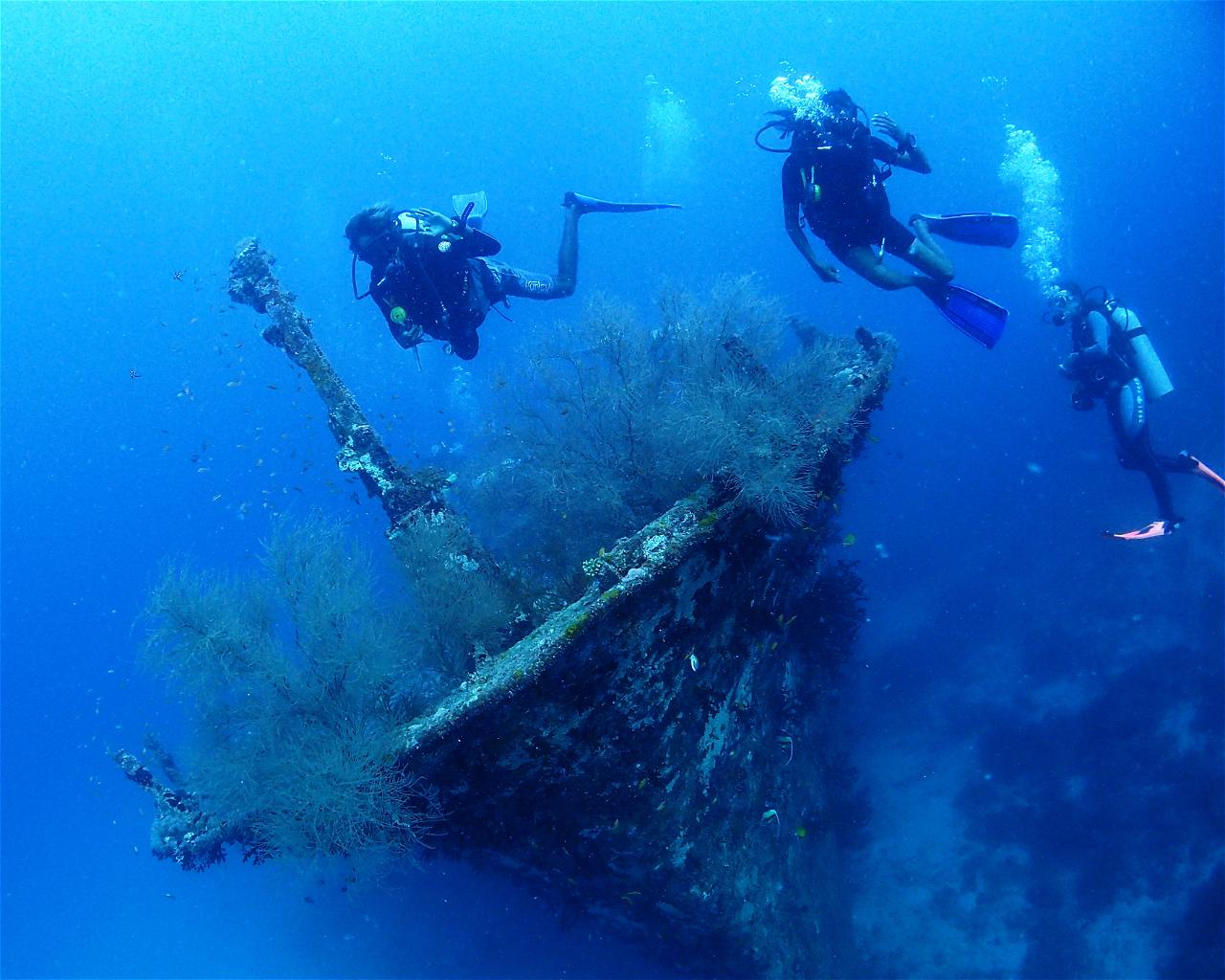 Kuda Giri (Wreck) / Potato Reef